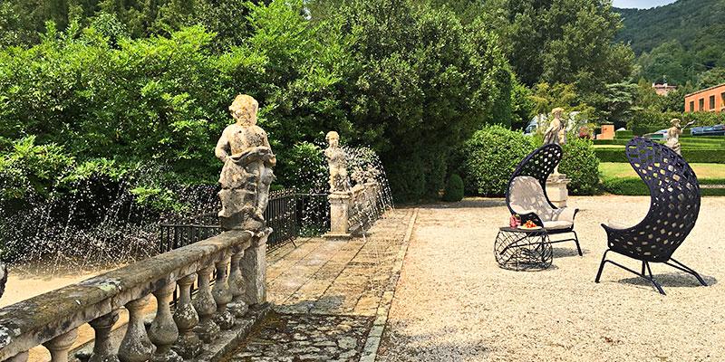arredamento da esterni smania nel parco della villa a Valsanzibio
